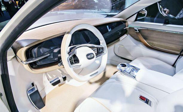 Applen on huhuttu haluavan itseohjautuvien sähköautojen kasvaville markkinoille jo pitkään. Kuvassa Thunder Power -sähköauto esittelyssä Saksassa.
