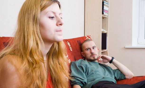 Ei aikuisten väliseen suhteeseen kuulu se, että toinen on altavastaaja, Jari Koponen painottaa.