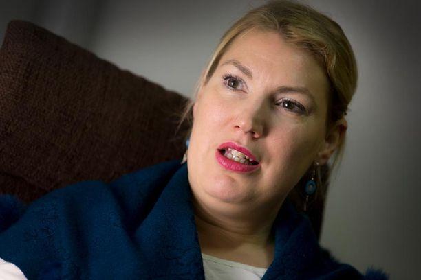 """Kansanedustaja Katja Hännisen mukaan matkan viralliset tapahtumat menivät hienosti ja puhemies Lohela """"toimi oikein hyvin ja johdonmukaisesti""""."""