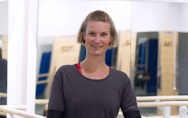 Pilatesohjaaja Saija Tesolin.