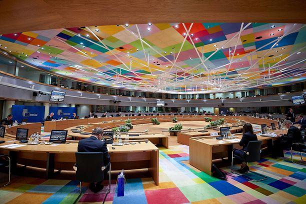 EU-päättäjät kävivät Brysselissä 90 tunnin maratonneuvottelut EU-budjetista ja koronaelpymisrahastosta.