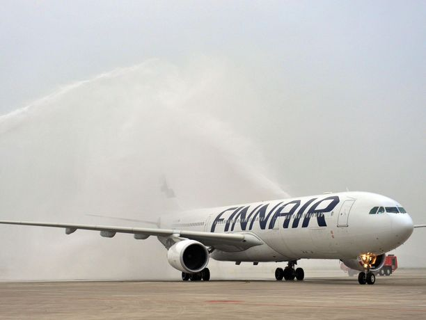 Finnair on joutunut perumaan tai lopettamaan lentojaan useisiin maihin.