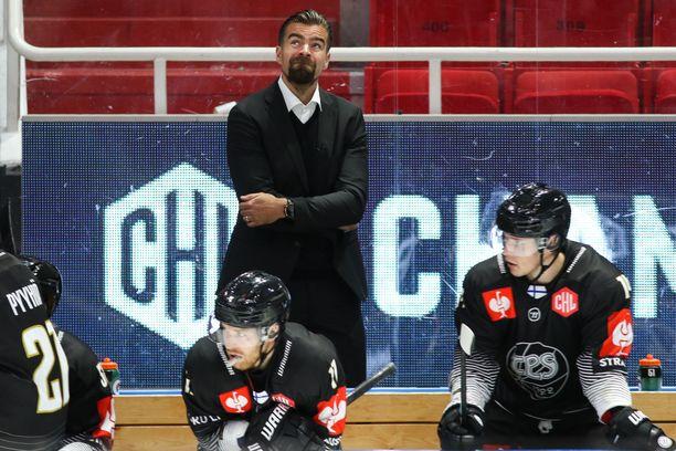 Jussi Ahokas ei ollut lainkaan tyytyväinen Tepsin otteisiin.