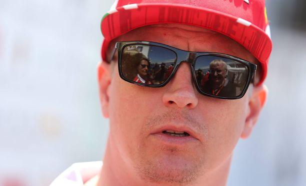 Kimi Räikkönen pyöräytti autonsa väärään suuntaan Kanadassa.