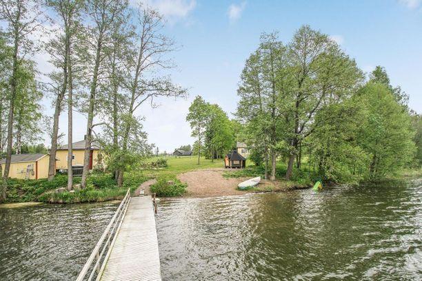 Kaikkonen kertoi Iltalehdelle ihastuneensa talon sijaintiin.