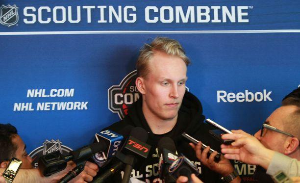 Patrik Laineen kommentit olivat haluttua tavaraa NHL:n Draft Combine -tilaisuudessa.