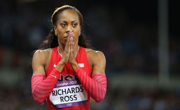 Sanya Richards-Ross kertoo kipeästä päätöksestään ennen Pekingin olympiakisoja.