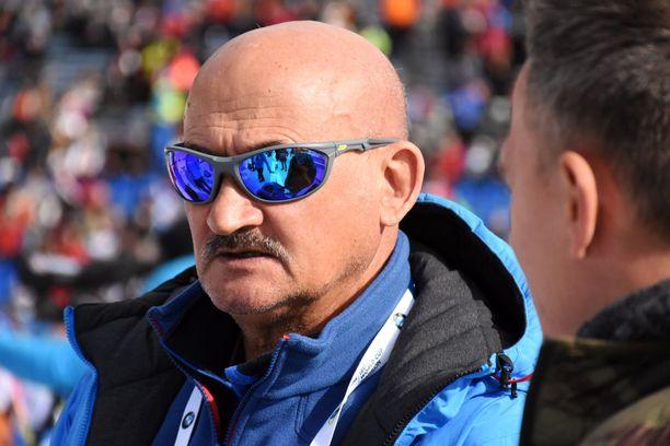 Anatoli Hovantsev valmensi Venäjän maajoukkuetta 2018 lähtien.