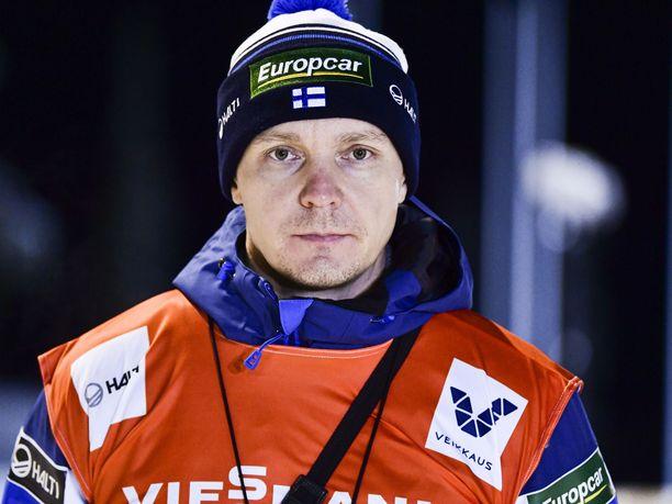 Petter Kukkonen sai FIS:ltä varoituksen puheistaan.