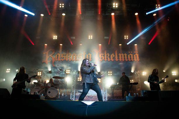 Antti Railion esiintyminen Iskelmäfestivaaleilla oli täynnä räjähtävää energiaa.