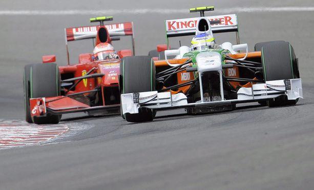 Viimeisin Spa-voitto irtosi Kimi Räikköselle hänen ohitettuaan Giancarlo Fisichellan.