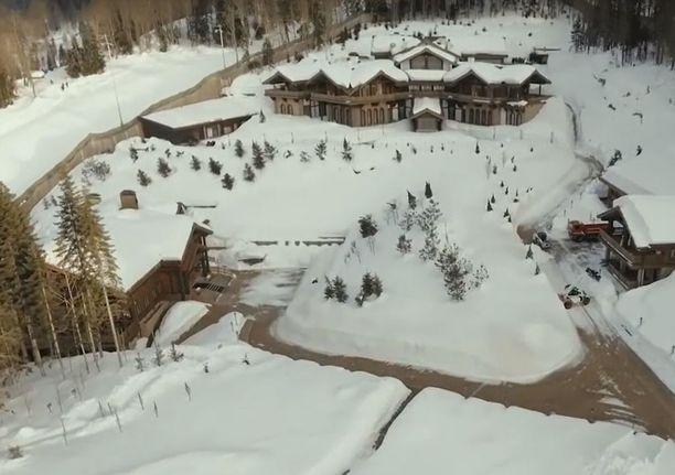 Huvila Krasnaya Polyana -vuoristoalueella Sotshissa. Huvilan arvioitu hinta on yli 109,5 miljoonaa euroa.