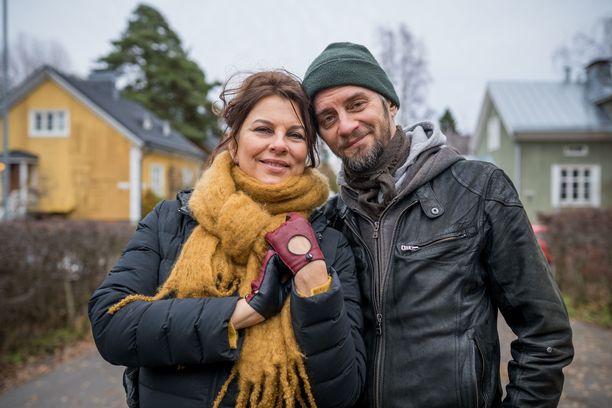 Satu Silvo ja Reidar Palmgren löysivät toisistaan sielunkumppanit. Yhteistä huumorintajua kuvastaa marttyyriviitta, jonka Reidar antoi rakkaalleen 50-vuotislahjaksi.