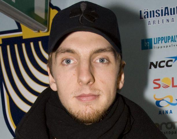 Bluesin Oskari Osala uskoo vielä pelaavansa tällä kaudella.
