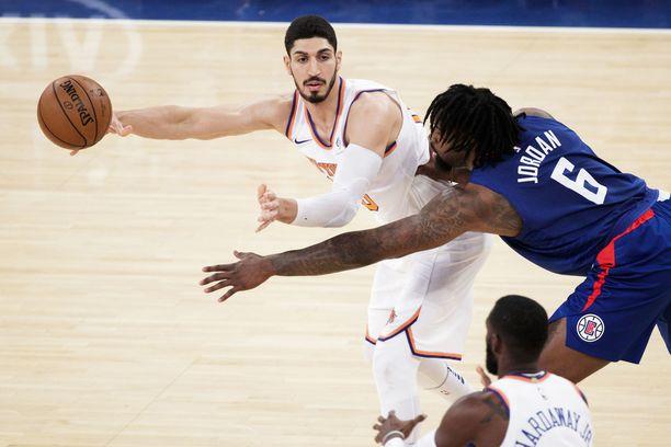 Enes Kanter pelkää henkensä puolesta, joten Knicksin Lontoon-matka jää väliin.