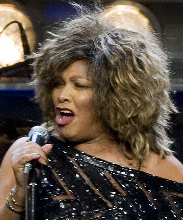 Päätöksen Tina Turnerin nimestä teki ex-mies.