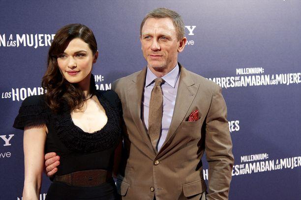 Rachel Weisz ja Daniel Craig saivat ensimmäisen yhteisen lapsensa syyskuussa 2018. Craigilla on entuudestaan tytär ja Weiszillä poika.