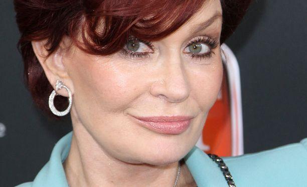 Sharon Osbournen tiedetään korjauttaneen ulkomuotoaan lukuisilla kauneusleikkauksilla.