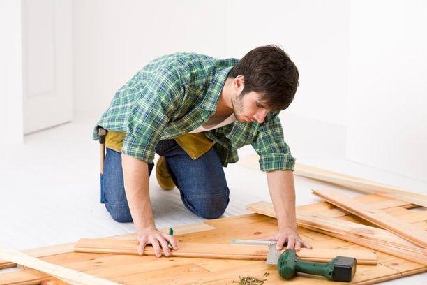 Lattian asentaminen vaatii ammattitaitoa.