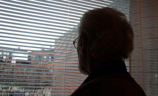 Kotihoidon piirissä on yhä enemmän huonokuntoisia vanhuksia. Kuvituskuva.