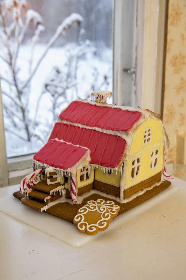Lumi rakensi piparkakkutalon, joka on hänen oman kotinsa kopio!