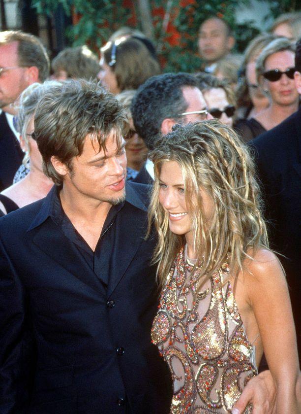 Brad Pittin ja Angelina Jolien avioliiton piti olla harvinainen supertähtien onnistunut liitto.