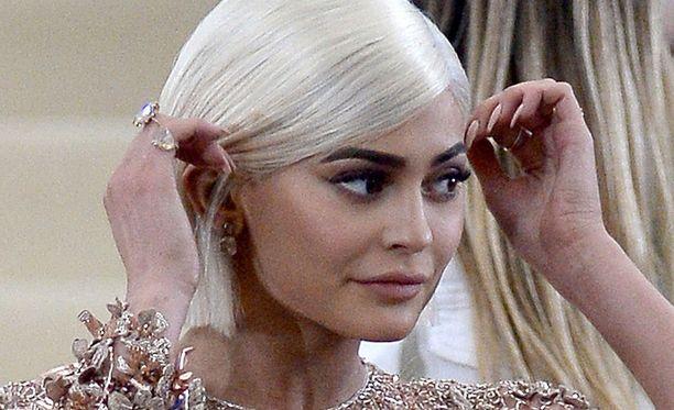 Kylie Jennerin somearvo nousi pitkän somehiljaisuuden jälkeen.