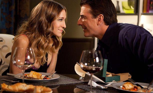 Carrie ja Mr. Big selättävät ongelmansa ja ovat yhdessä vielä viimeisen Sinkkuelämää-leffan lopussa.