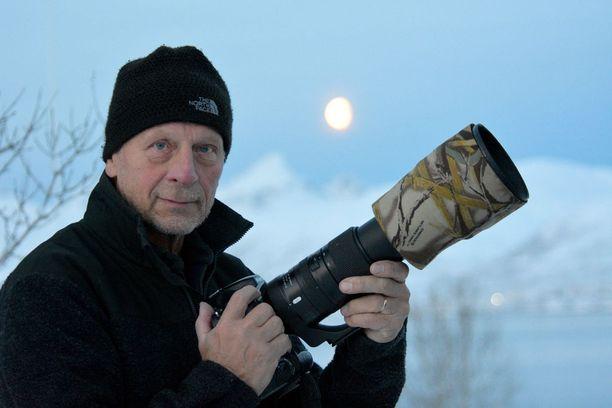 Ilkka Jaakola saattaa ottaa hyvänä päivänä tuhansia kuvia Tromssan lähialueen luonnossa.
