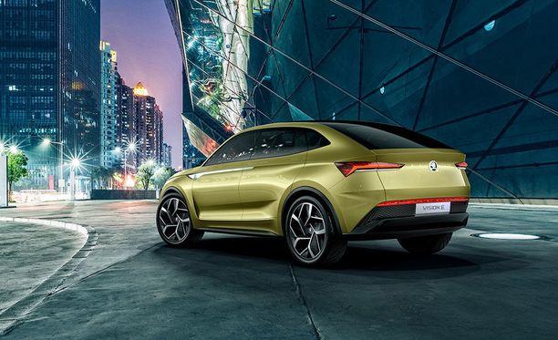 Perästä katsottuna coupé-muotoilu pääsee oikeuksiinsa.