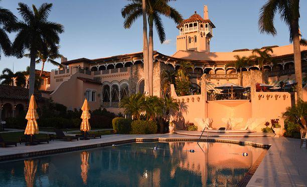 Trump on viettänyt useimmat viikonloppunsa presidenttiaikana kakkoskodissaan Mar-a-Lagossa Floridassa.