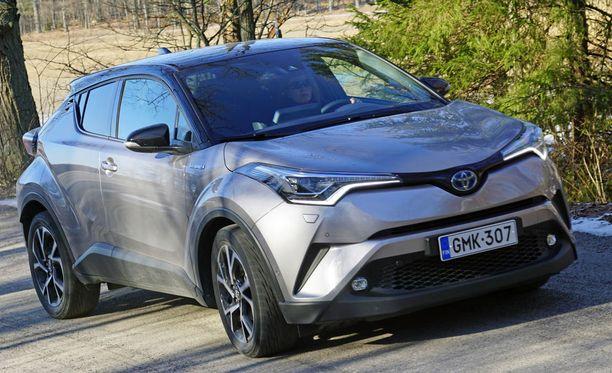 Toyota C-HR. Joissakin malleissa hintanousu jopa 2000 euroa.