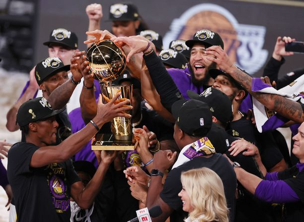 Los Angeles Lakers juhli mestaruutta 11. lokakuuta.
