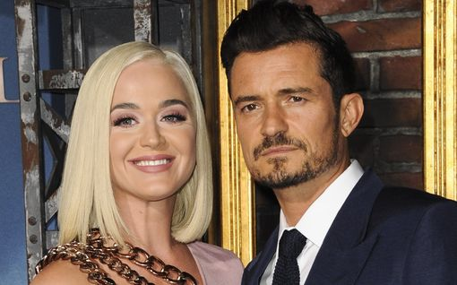 Orlando Bloom ja Katy Perry ovat julkaisseet vauvastaan vain yhden kuvan – isä paljastaa: pienokainen peri äitinsä silmät