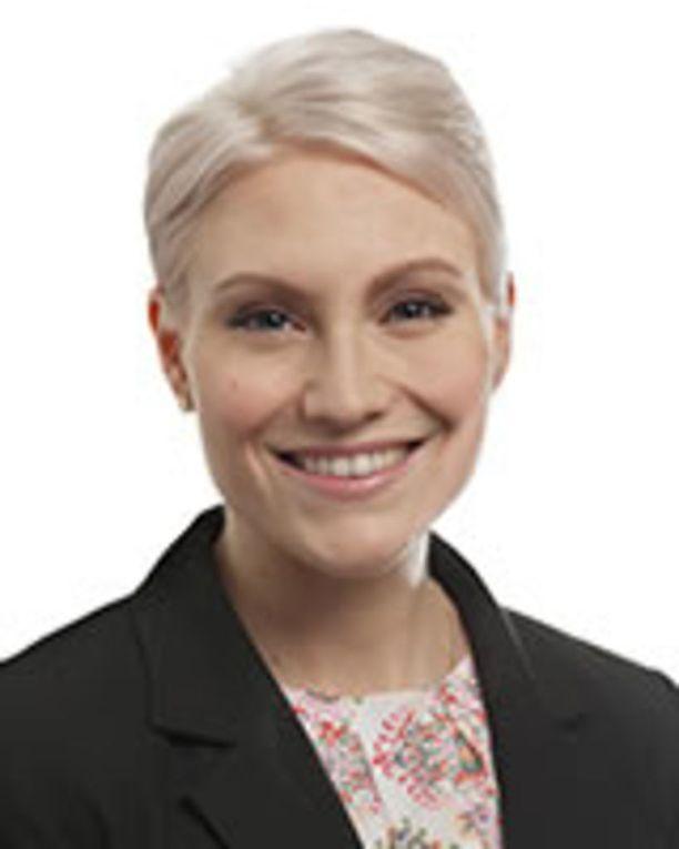 Jos eduskunta myöntää Susanna Huoviselle vapautuksen kansanedustajan työstä, tilalle nousee Riitta Mäkinen.