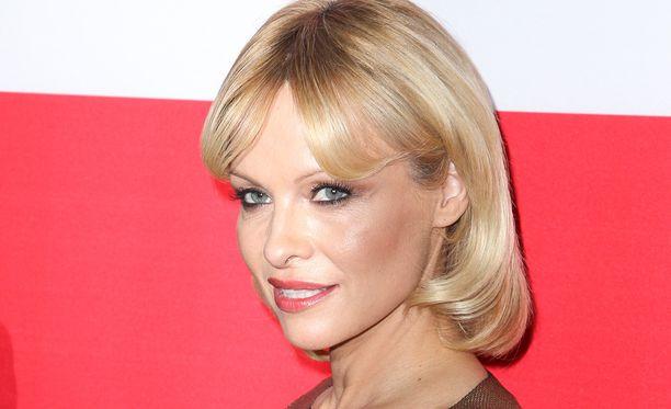 Pamela Anderson tuli tunnetuksi Baywatch-sarjasta.