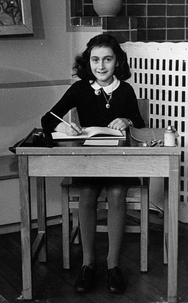 Anne Frank Montessorikoulussa Amsterdamissa vuonna 1940.