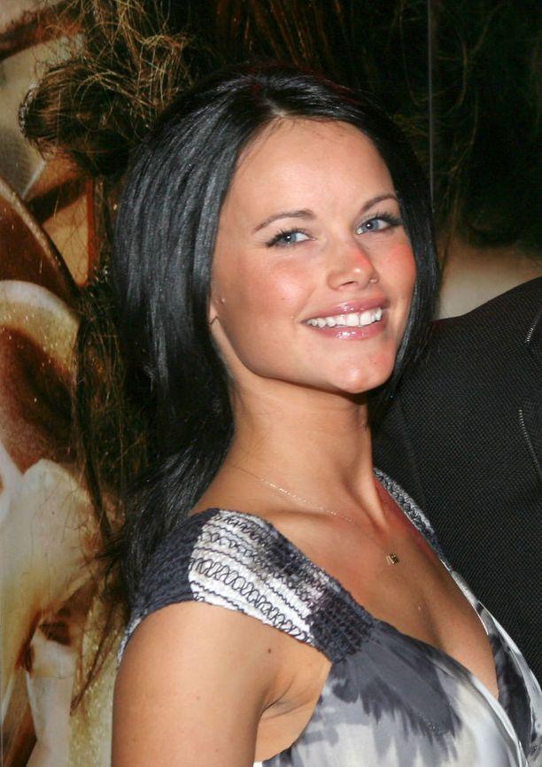 Nuori Sofia vuonna 2010, kun hän oli juuri tavannut prinssinsä.