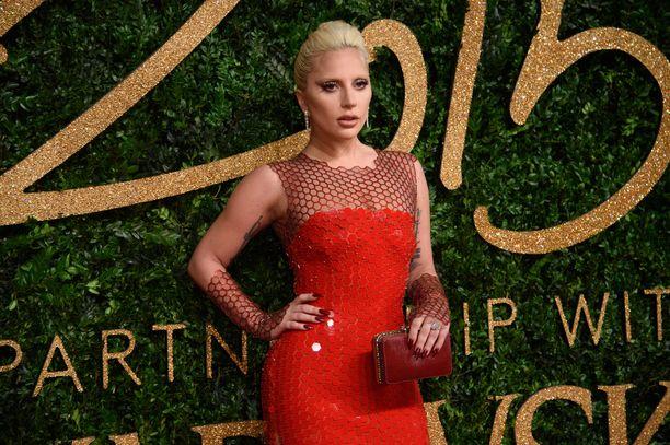 Gagan oikea nimi on Stefani Joanne Angelina Germanotta.
