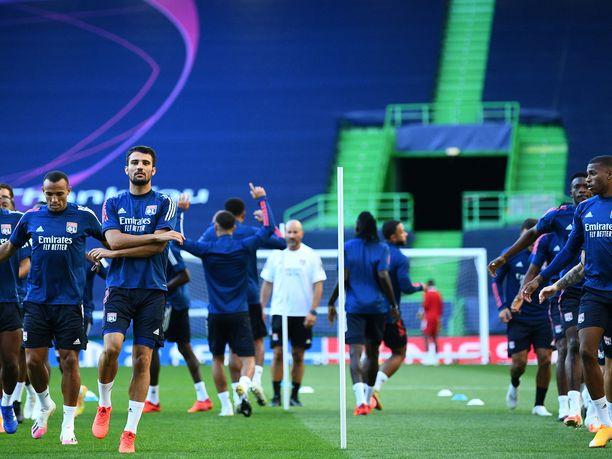 Lyon jää Manchester Cityn jalkoihin povaa Timo Brander.