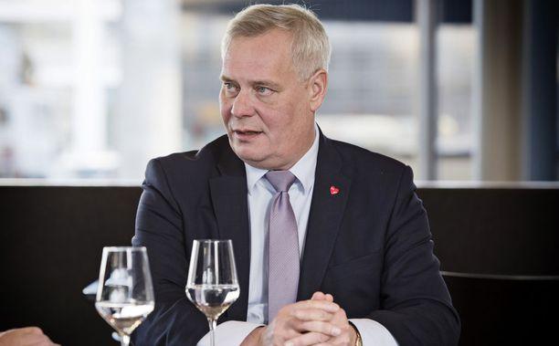 Sosiaalidemokraattien puheenjohtaja Antti Rinne arvosteli kovin sanoin hallituksen työllisyyspolitiikkaa.