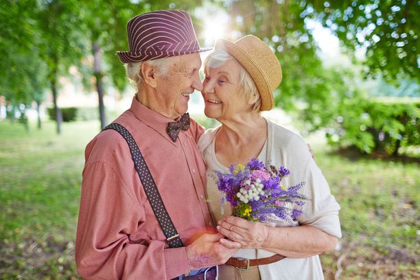 Pitkän iän salaisuus on kokonaisuus, jossa muut ihmiset ovat mukana.