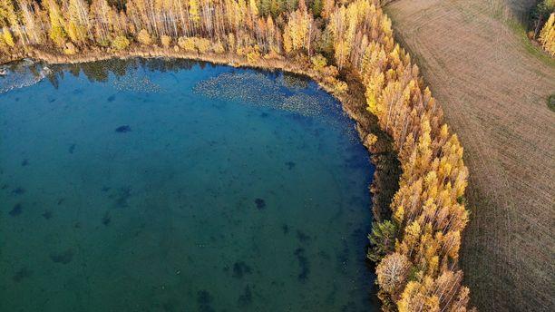 Ja tässä näkymä samasta järvestä käsittelyn jälkeen.