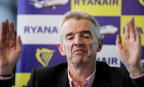 Michael O'Leary yhtiön tiedotustilaisuudessa Brysselissä. Tällöin juhlittiin Ryanairin 40. miljoonatta matkustajaa.
