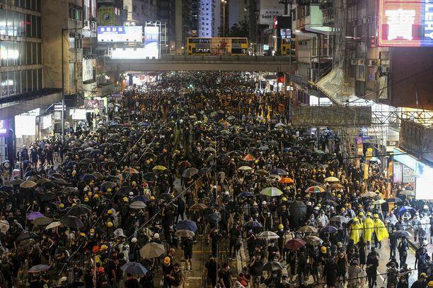 Hongkongin mielenosoitukset ovat jatkuneet jo viisi kuukautta.