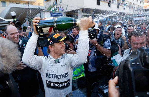 Nico Rosberg otti ilon irti Monacon GP:n voitosta.