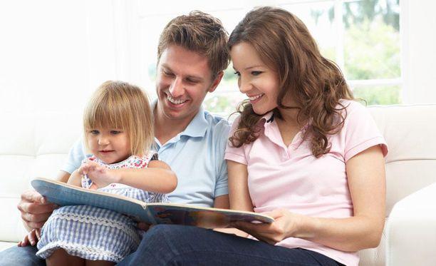 Lapset rakastavat yhdessäoloa ja perheen rutiineja, sillä ne lisäävät turvallisuuden tunnetta.