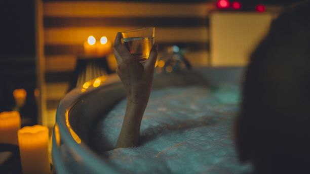Kylpylöihin asetetaan ikärajoja, että rauhalliset hemmotteluhetket onnistuisivat.