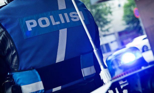 Poliisi tutkii kaupparyöstöä Joensuussa.