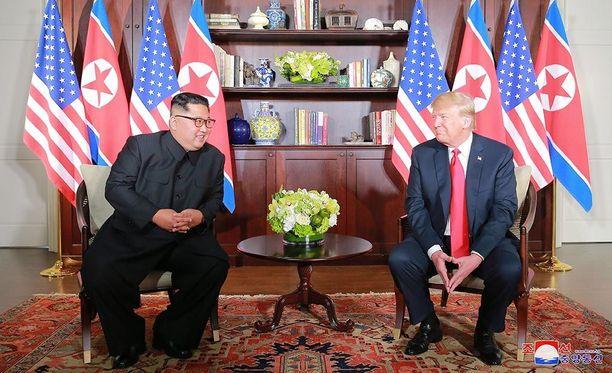 Pohjois-Korean valtiollisen uutistoimiston KCNA:n mukaan Donald Trump olisi luvannut maan johtajalle Kim Jong-unille, että Yhdysvallat purkaa Pohjois-Korean vastaiset pakotteet.